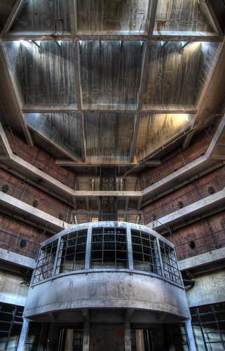 Spider jail