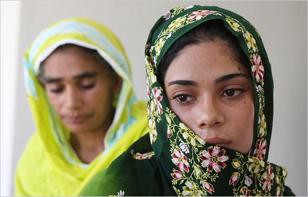 Assiya Rafiq, Pakistani gang rape victim, fights back