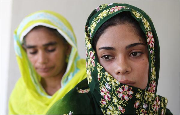 Assiya Rafiq, Pakistani gang rape victim, fights back