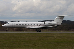 N887AG - Private - Gulfstream G550 - Luton - 090326 - Steven Gray - IMG_2339