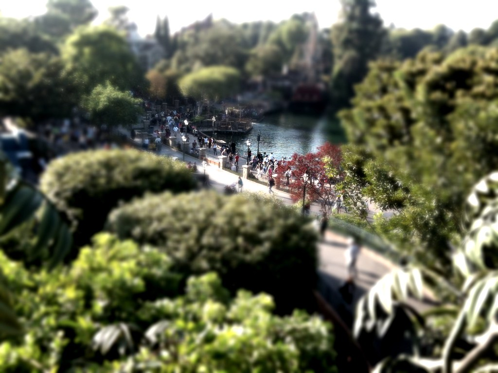 TiltShift iPhone app review