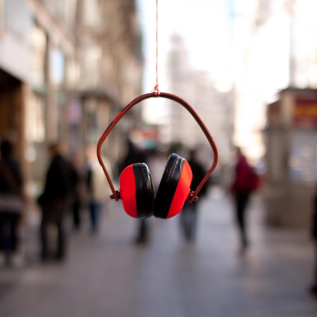 escuchando los sonidos de la ciudad (cuadrada)