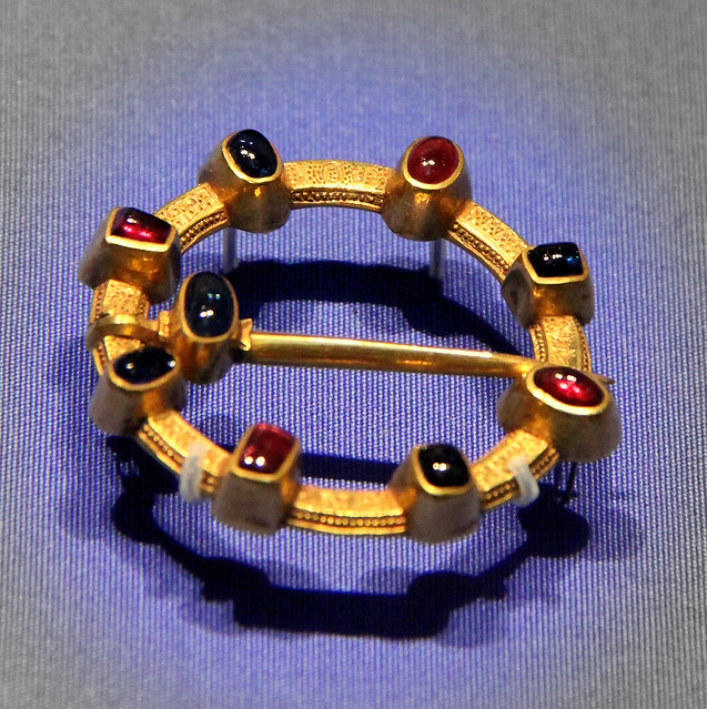 Lovers' brooch