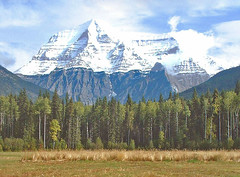Mount Robson, British Columbia, Canada (stonemouse) Tags: canada mountains rockies britishcolumbia rockymountains mountrobson canadianrockies