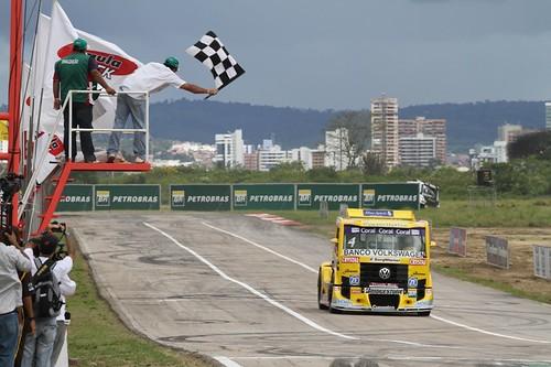 Felipe Giaffone vence em Caruaru (PE) na F-Truck