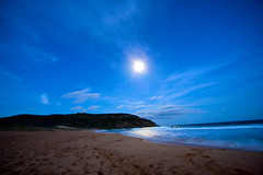 Full Moon at Palm Beach (LIVEILLUSION photography) Tags: ocean longexposure blue lighthouse beach water night clouds canon waves nightshot sydney australia fullmoon nightscene northern palmbeach tidal headland pittwater northernbeaches