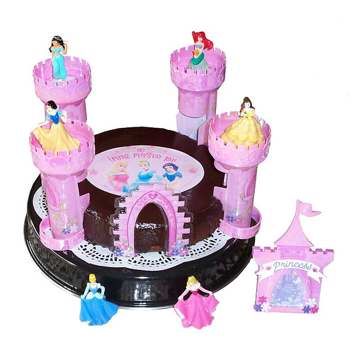 disney princess jasmine cakes. Disney princess castle Cake