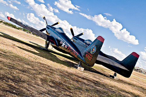 Warbird picture - F-82 Twin Mustang