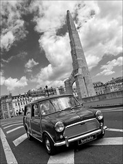 Creative parking (Breff) Tags: bridge sky paris france monument car statue clouds pontdelatournelle saintegenevieve morrisminitraveller austinminicountryman brefoto mkiiaustinminitraveller