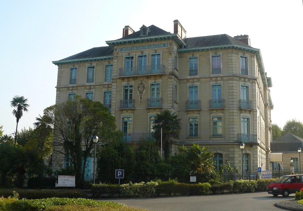 Salies-de-Béarn (64), Parc-Hôtel ou Grand Hôtel du Parc.