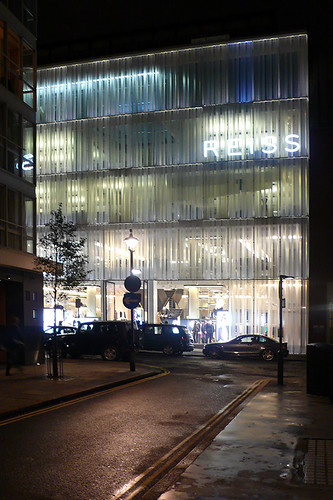 Londres, Reiss Store London. Squire & Partners