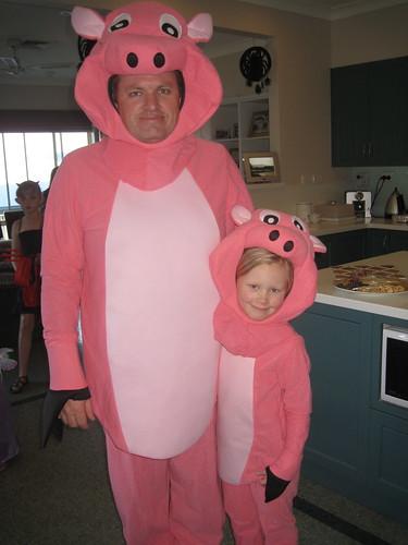 Big piggy and little piggy