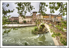 Isola Tiberina (Ponte Fabricio), Roma Italia. [Explore] (paolopenna) Tags: bridge italy rome roma river italia ponte tiber tevere hdr d3 isola tiberriver 1424 colorphotoaward nikond3 nikkor1424 bestofmywinners