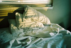 (Katherine Squier) Tags: light beforesunset katherinesquier idontmeantotakesomanybedphotos theyjusthappen whenthelightbecomesrusty