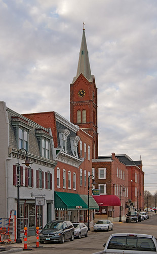 Downtown Washington, Missouri, USA - street view of Saint Francis Borgia Church tower