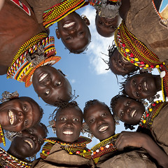 Turkana tribe girls, Kenya (Eric Lafforgue) Tags: africa girls sky girl smile collier happy necklace beads women kenya african flash north joy tribal ciel bead pearl tribe jewels fille levistrauss filles perle femmes ringflash afrique ethnology tribu eastafrica turkana claudelevistrauss beadednecklace ethnologie qunia laketurkana 7187 lafforgue  qunia    beadsnecklace kea   turkanas