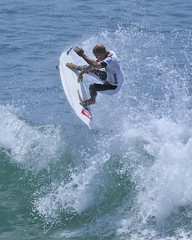 Kelly Slater (ScottS101) Tags: california cali surf waves pacific surfer huntington competition quicksilver surfing professional surfboard pro athletes athlete olas hb ola kellyslater competitor surfista beachwave huntingtonbeach allrightsreserved usopenofsurfing scottsansenbach2009