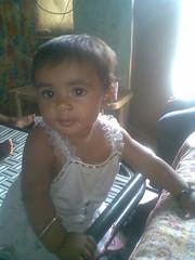 June 2009 (sarahamina) Tags: baby india girl kid chica village child kind bebe nina indien mdchen ragazza bambina haryana sugling sarahamina
