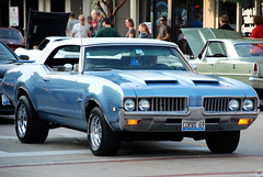1969 Oldsmobile Cutlass Supreme (Chad Horwedel) Tags: blue classic car illinois convertible olds oldsmobile cutlass downersgrove downersgrovecruisenight cutlasssupreme 1969oldsmobilecutlasssupreme