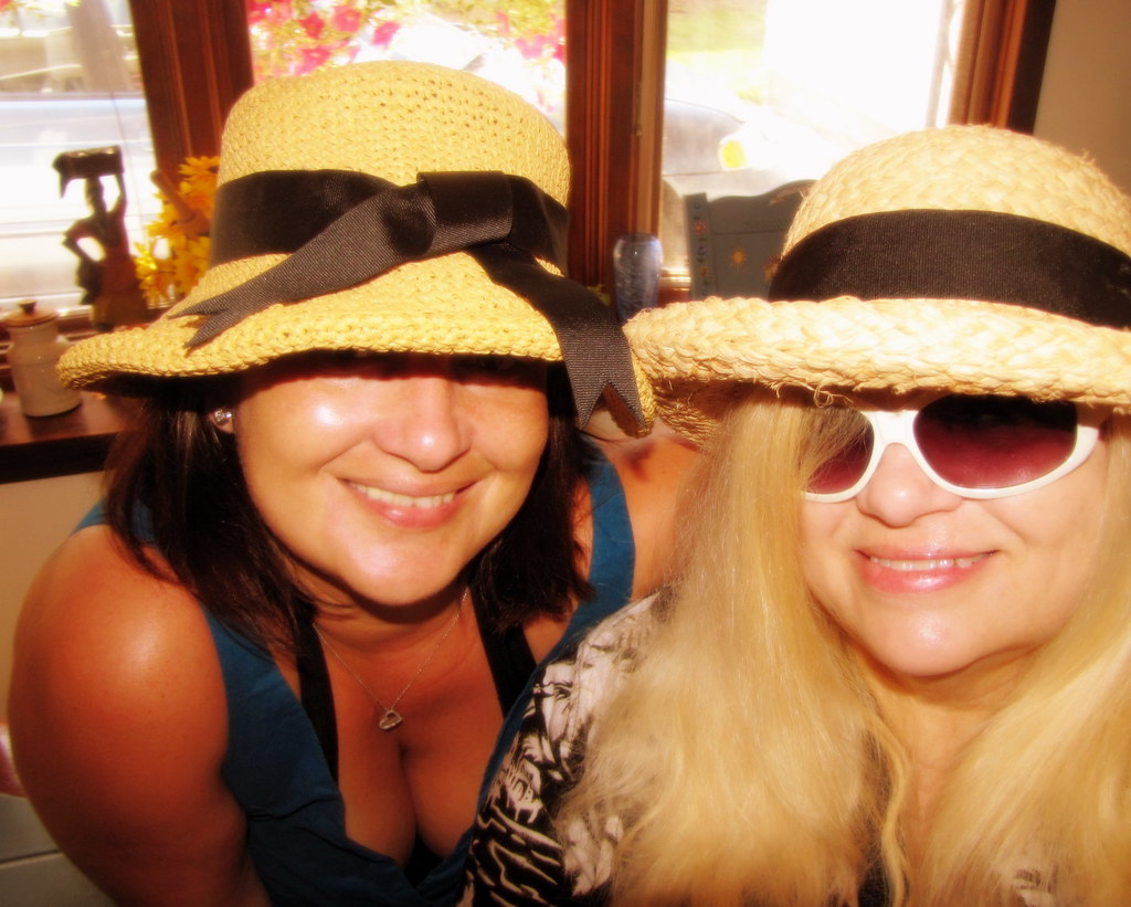 Hat girls... Daughter and Mother  :)