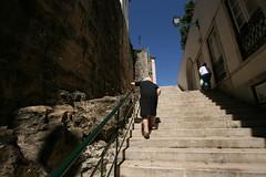 Alfama - Lisboa (F o t o l i t a) Tags: summer portugal stairs holidays lisboa lisbon frias agosto verano vero vacaciones escaleras alfama escadas