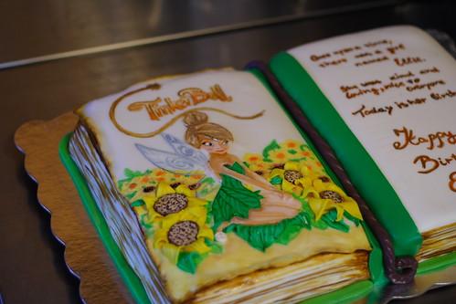 Ellies3rd Bday cake055