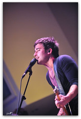 Phil Wickham (Ah Hman) Tags: nikon raw tour live cpc single capture d3 topaz 70200mm nx denoise philwichman