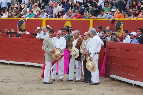Toreros aficionados y Rafael Puga en Acho