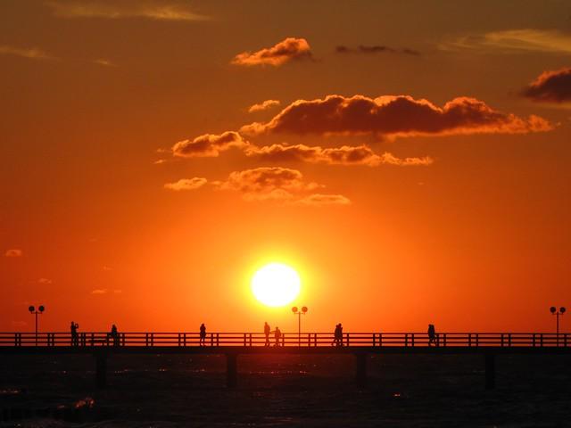Sunset in July 2010, by Felix Lau