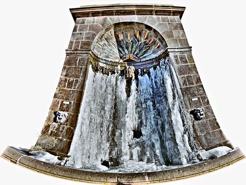fontaine gelee aux portes de riom