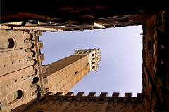 Palazzo Publico, looking up to the Torre del Mangia (fritsvisser2) Tags: history architecture tuscany trave