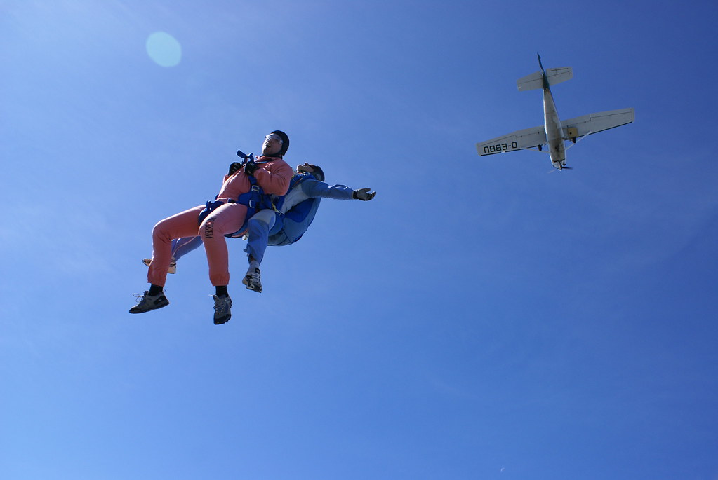 The World's Best Photos of parachutespringen and skydiving - Flickr