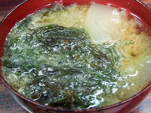 モズク(水雲)と夕顔の味噌汁~笹川流れ
