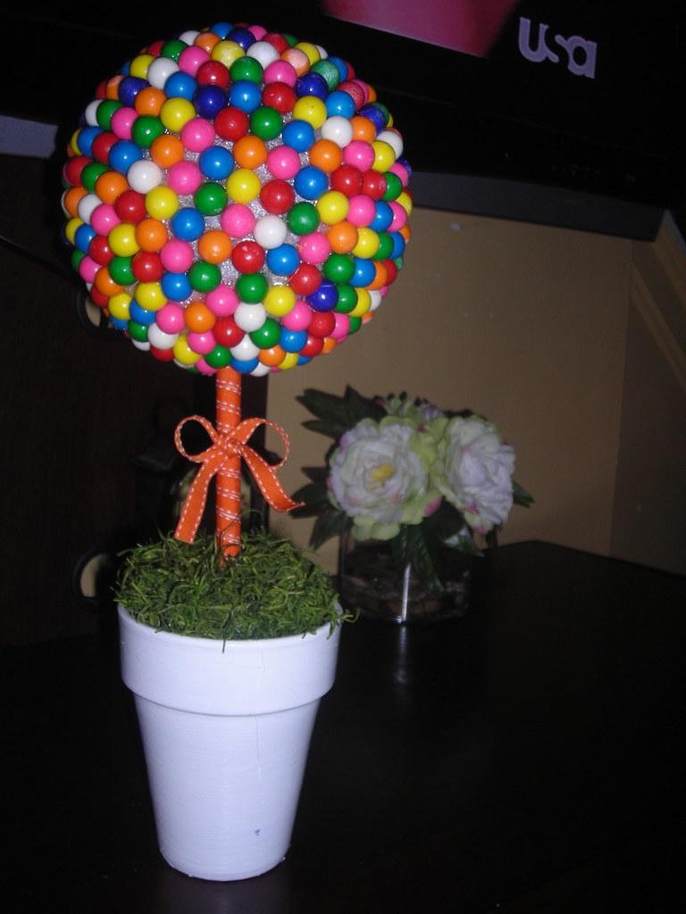Bubblegum Topiary Tree