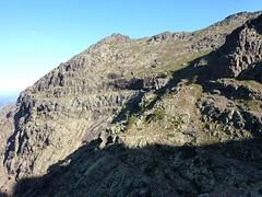 La vire de Scaffone versant Campu Razzinu depuis le col franchissable