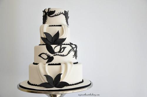 Black and White Wedding Model Cake