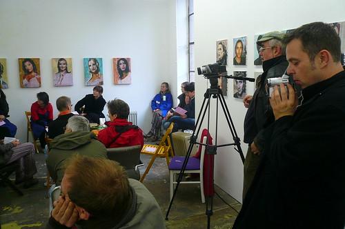 Diskussionsrunde Minifest im Kunstraum MATO. Oktober 2007