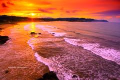 Atardecer en La Espasa (Rawlways) Tags: sunset sea seascape beach atardecer spain nikon playa d300 espasa