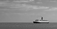 Scarborough Welcomes The QE2 (Aaron Yeoman [Old Account]) Tags: uk greatbritain cruise sea england blackandwhite bw water boat ship yorkshire vessel panasonic northsea gb scarborough arrival southampton southbay departure northeast queenelizabeth2 cunard qe2 northyorkshire liner northbay oceanliner queenelizabethii panny tz1 panasonictz1 rmsqueenelizabeth2 theqe2 pannytz1