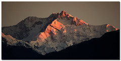 mount K - 1 (Soumya Bandyopadhyay) Tags: red sunrise panoramic telephoto sikkim firstlight pelling sigma55200mm kanchendzonga superaplus aplusphoto pentaxk200d