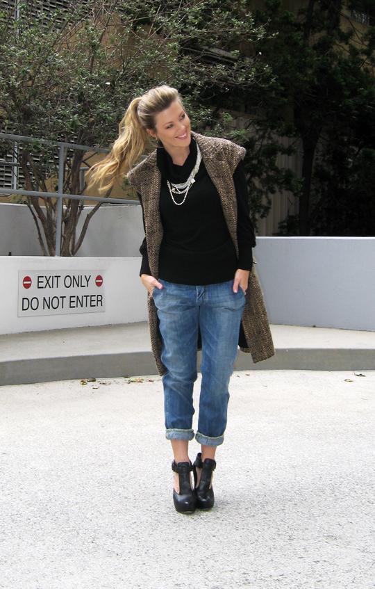 sleeveless-tweed-coat-jeans-wedges-4