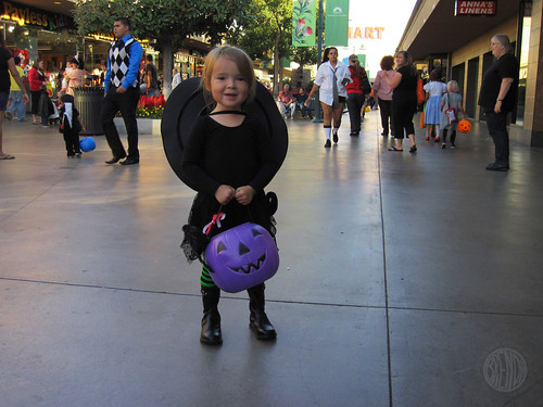 mall trick-or-treating