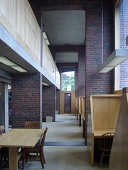 Double-heighted reading area (caprilemon) Tags: wood usa brick window architecture concrete reading architecturaldetail library newhampshire exeter northamerica studying alcove woodpaneling louiskahn exeterlibrary reinforcedconcrete philipsexeteracademy readingalcove