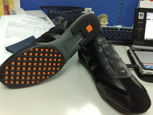 黑色無鞋帶款+鞋底BOSS Mark