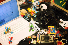 In My World (Orangeya) Tags: camera old friends white classic mobile lensbaby canon vintage silver comics mouse toys dvd inch pin lulu 1st guitar surfer cd room ericsson cam sony bart spiderman elvis pins disney mickey collection 3g badge cds magazines hulk 13 simpson generation wolverine stewie the  macbook 400d orangeya