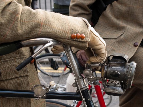 Tweed Run Vintage