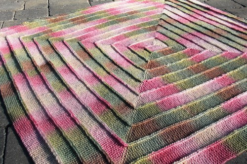 Knitting Pattern For 10 Stitch Blanket : Smoking Hot Needles: Spring Blanket - Done!