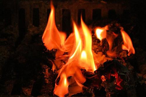 04091309burning