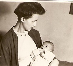 1954, anym a nehz vekben... (elinor04) Tags: portrait baby fashion vintage brothers young mother hairdo style photograph 1950s newborn hairstyle