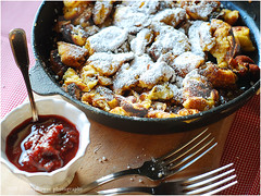 Kaiserschmarrn | Austrian Pancake with Raisins (Soupflower's Blog) Tags: recipe dessert austria milk österreich raisins sugar eggs rum pancake flour mehl kk milch zucker eier kaiserschmarrn pfannkuchen rezept rosinen mehlspeise kaiserschmarren palatschinken flowersoup soupflower wwwsoupflowercomblog soupflowersurbancookingblog